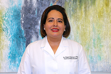 Podiatrist, Foot Doctor Edna Reyes Guerrero in the Pasadena, TX 77505; Baytown, TX 77521; Houston, TX 77089 & 77023; League City, TX 77573 and Pearland, TX 77584 area